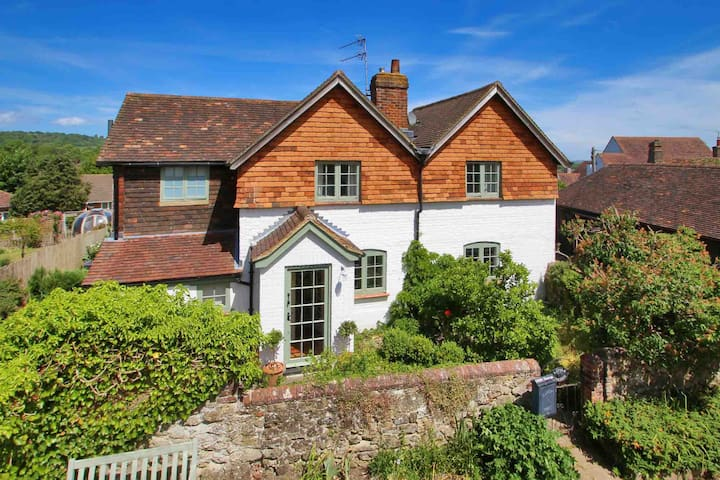 Character cottage in the heart of Westerham