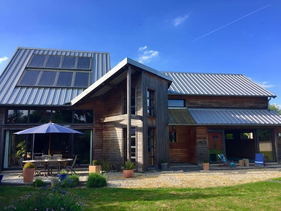 Maison d 39 architecte avec piscine normandie maisons for Location maison avec piscine en normandie