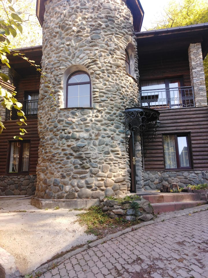 Дом на Роза Хутор
