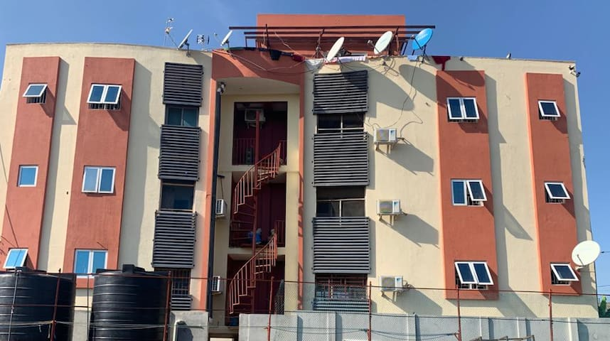 Private Apartment - Affordable Safe Stay In Accra
