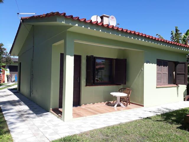 Casa em Capão próximo da praia,rua uruguai, 690