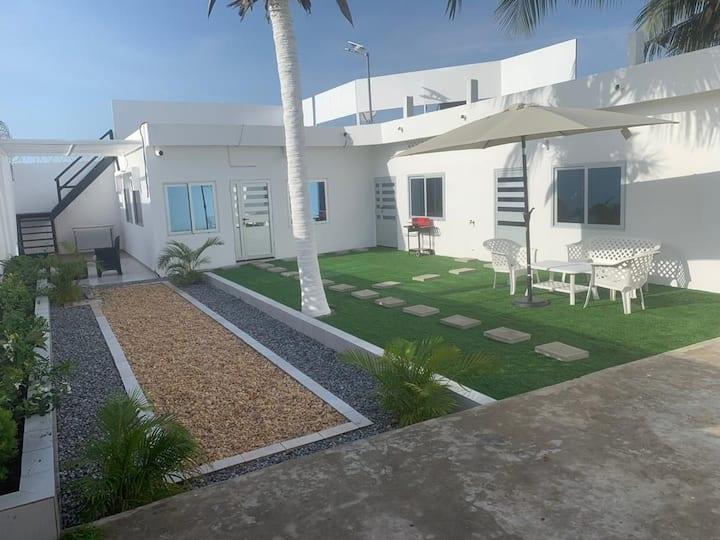 Cozy villa à Cotonou, Quartier Fidjrosse