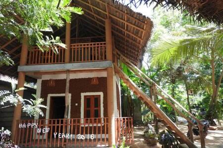 Mud cabana 1st floor - Tissamaharama - Bed & Breakfast