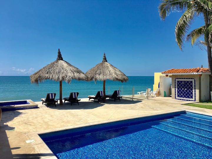 Elsollavida Beachfront Villa (unbelievable View)