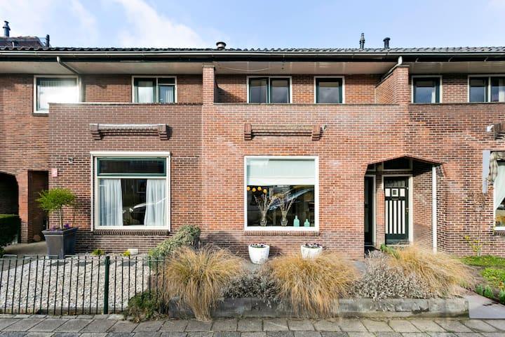 Jaren 30 woning in Woerden centrum