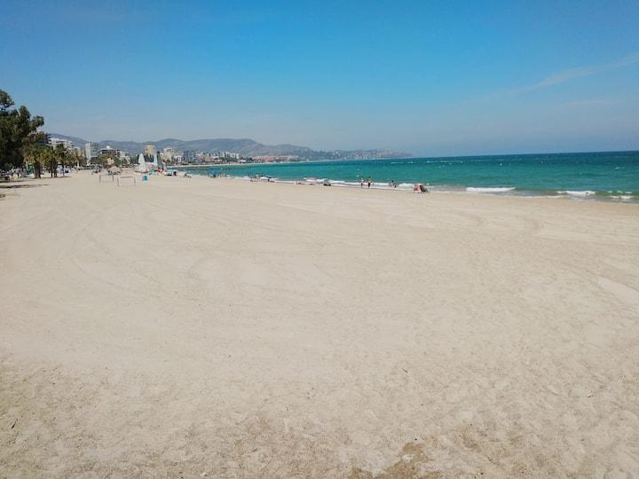 Apartamento en la playa. Muy amplio. Benicasim.