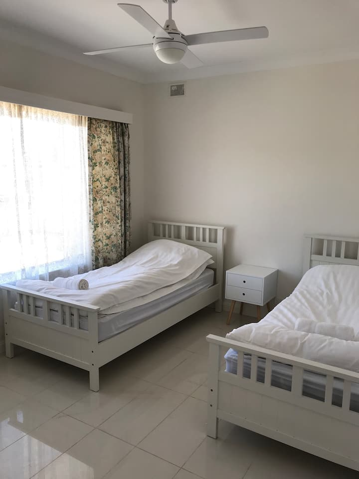 Milner Road First Floor Apartment With Free WiFi