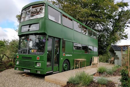 Wild Atlantic Bus at Aishling Cottage