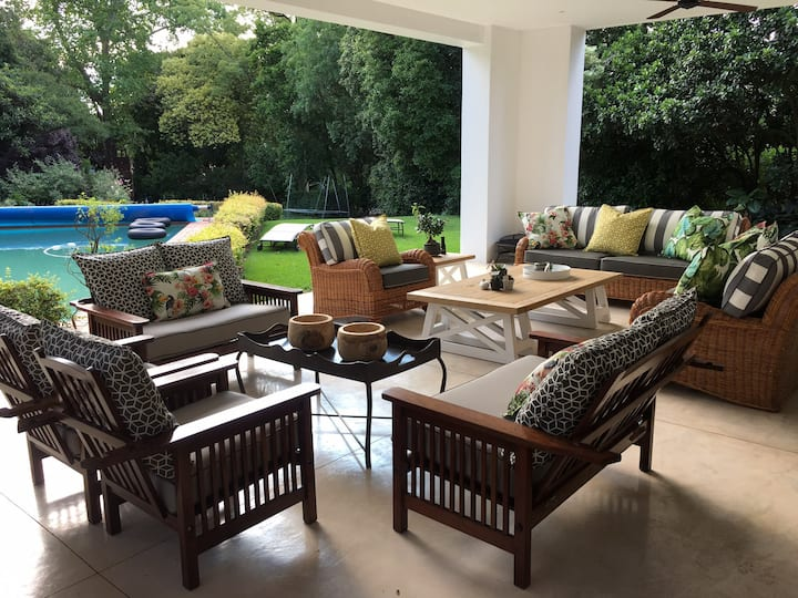 Stylish, Tranquil home close to Sandton