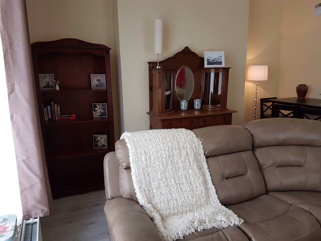 Town center 1st floor apartment, great sea views.