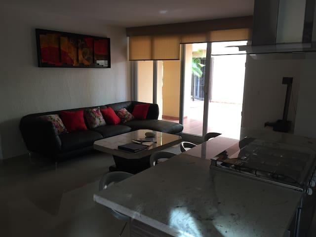 Private room in a quiet residential zone - Puerto Vallarta - Leilighet