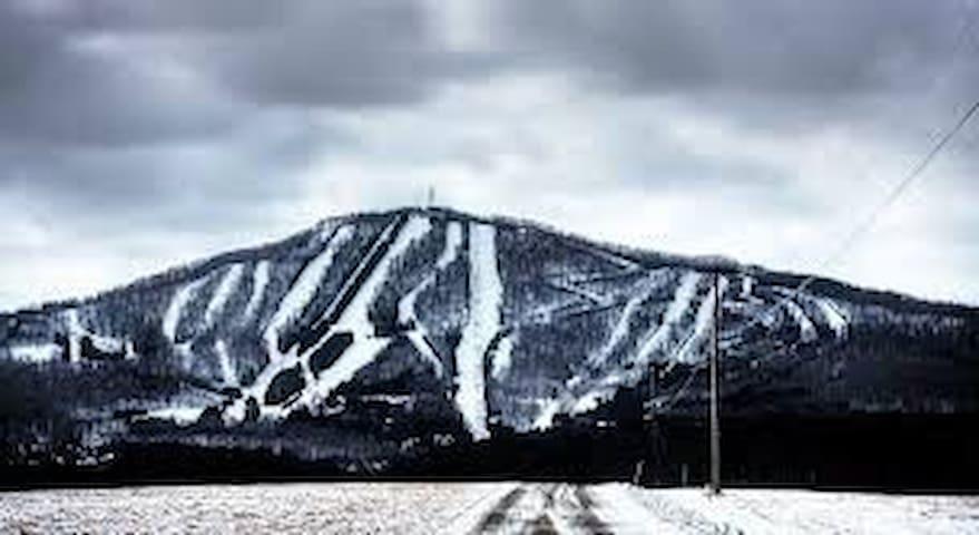 Elk Mountain Ski Resort Just 5 minute drive from lake lodge.
