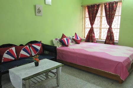 Pubali - Shared Living room space with breakfast - Bolpur - Maison