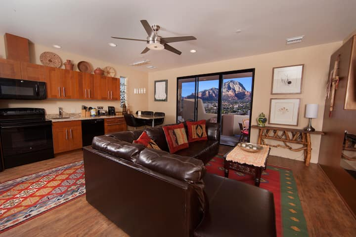 Spectacular Red Rock Views, Pvt 2BR Suite #25
