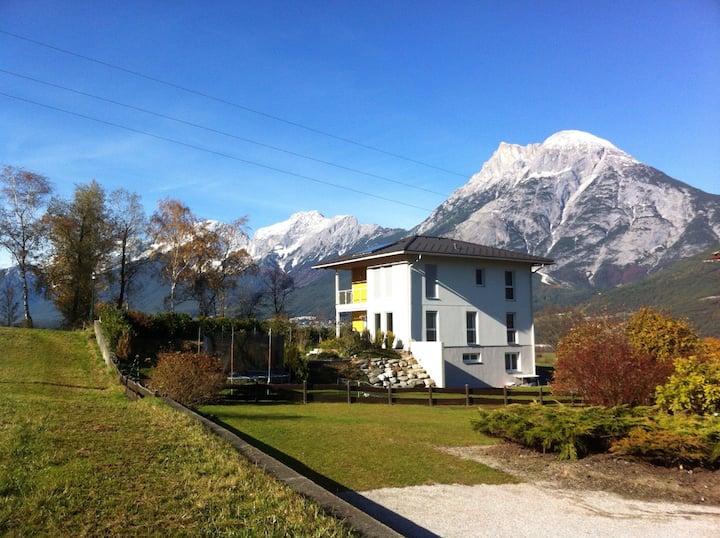 Wunderschöne Wohnung , Ortsrand in Flaurling,Tirol