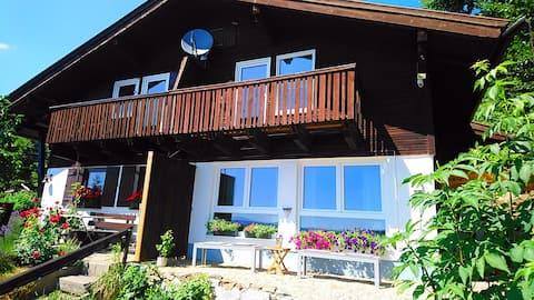 Casa de vacaciones * vista al bosque *  con excelentes vistas