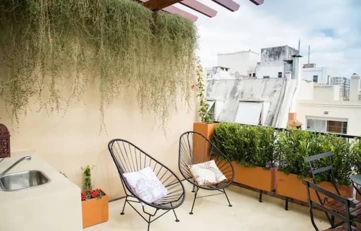 -20% Studio de diseño con terraza y puro sol!