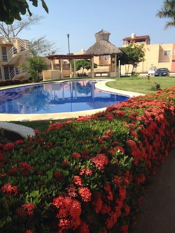 Hermoso departamento a 5 minutos de la playa - Ixtapa Zihuatanejo - Appartement