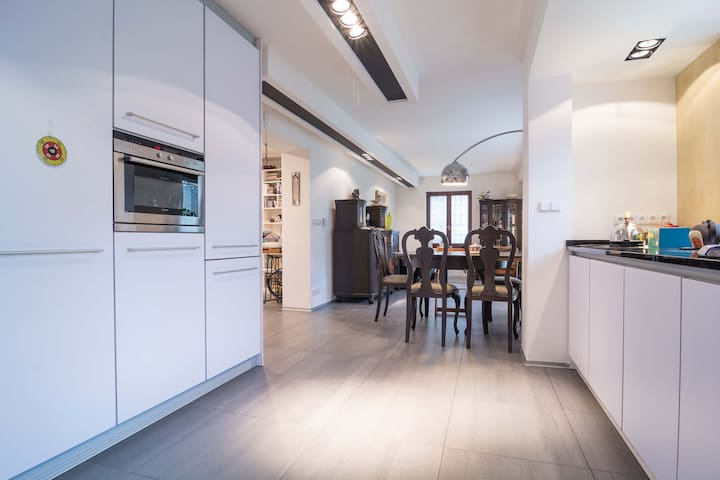 Charming family house 迷人的房子 - Říčany - House