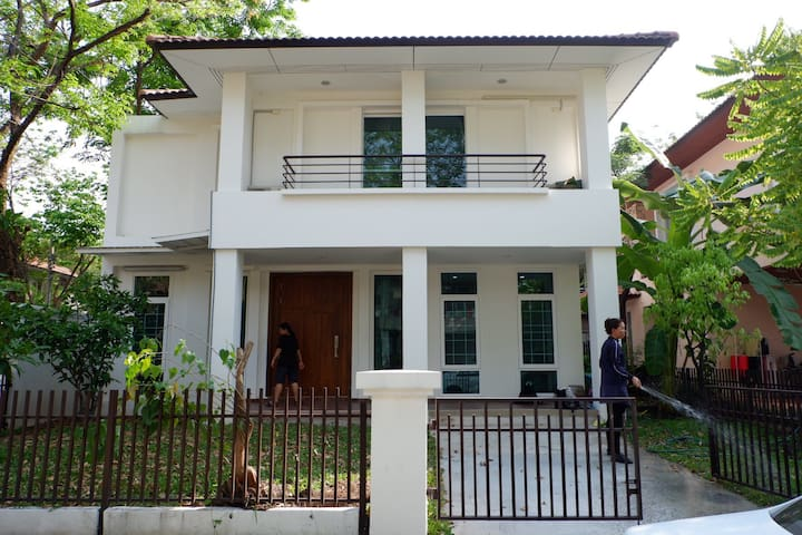 Luxury Single house for big family - Bangkok - Casa