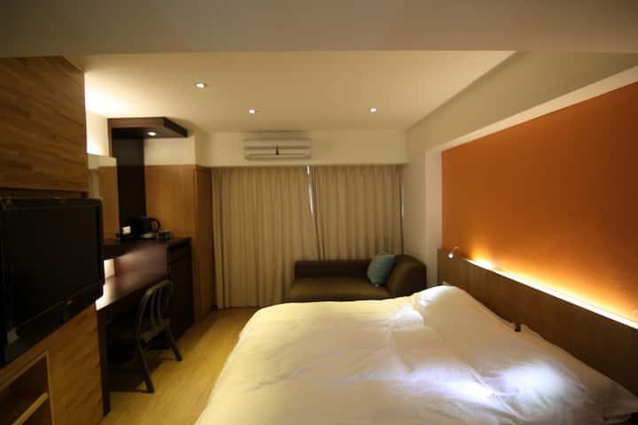 信義區捷運站旁走路低於1分鐘. en-suite in Xinyi district