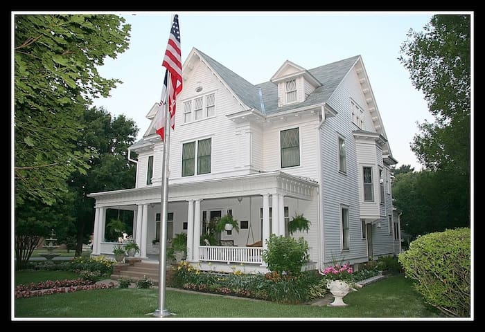 Colonial White House Bed & Breakfast - Clarinda - Wikt i opierunek