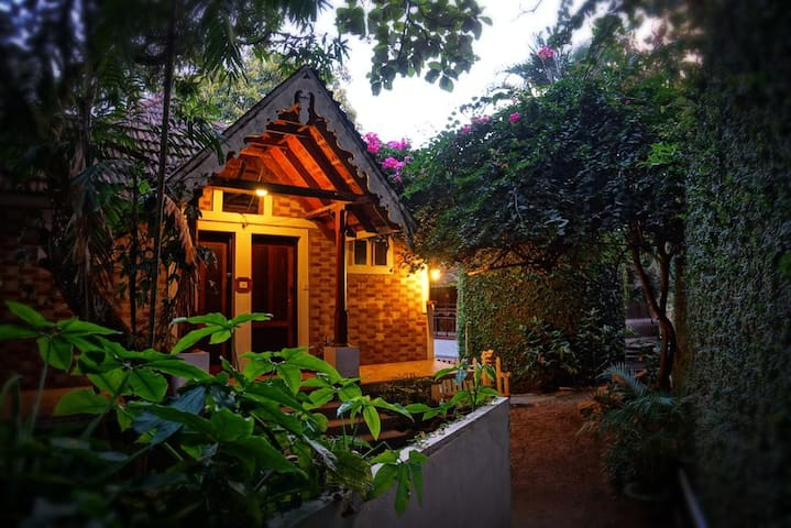 Nice Architecture&Organic Interiors Cottage Stay