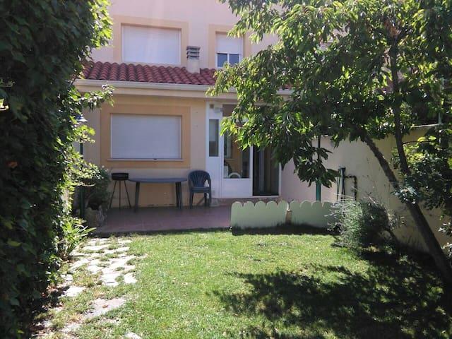 """Apartamento con garaje y jardín """"El Cerezo"""" - Chillarón de Cuenca - Byt"""