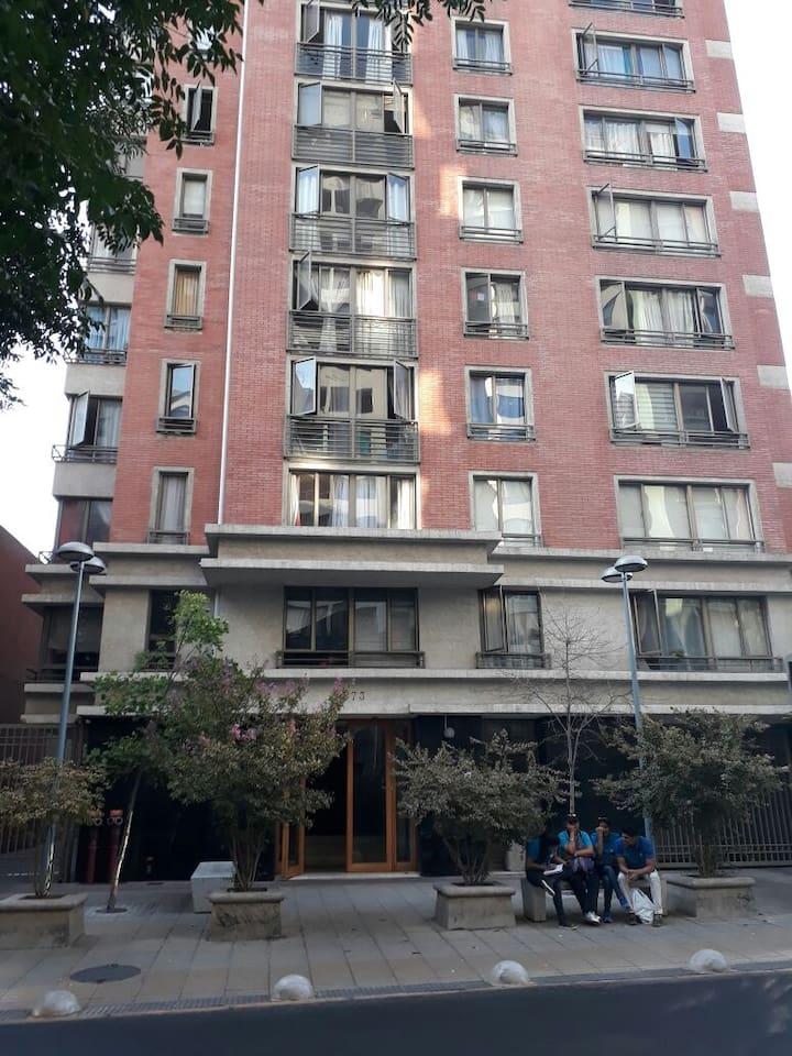 Edificio muy cerca de la estación de Metro Bellas Artes