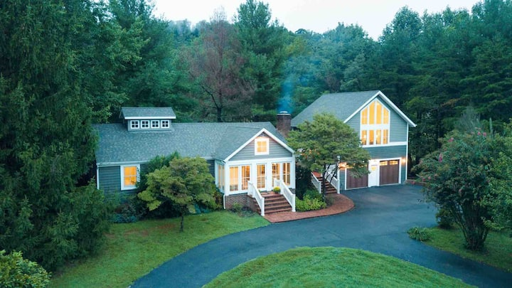 Luxury Country Retreat minutes from C'ville