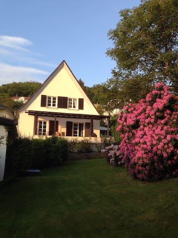 Villa Maximilian, ruhig, Garten - Bad Honnef