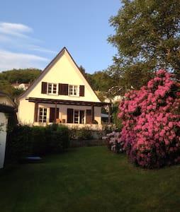 Villa Maximilian, ruhig, Garten - Bad Honnef - Σπίτι