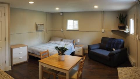 Lakewood Guesthouse