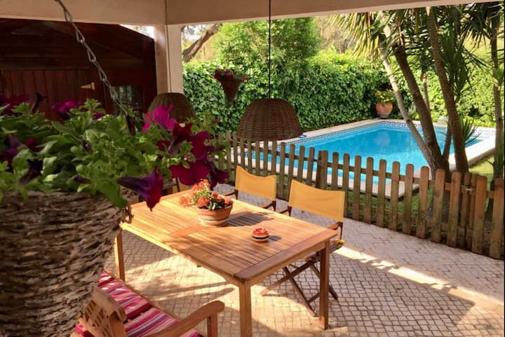 House of Cedars Spirit, Garden & Pool