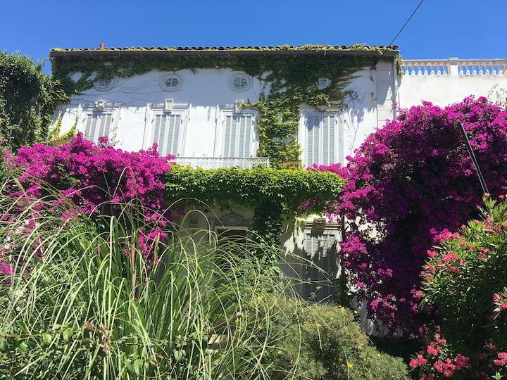 Coeur du Mourillon ,Superbe villa à 200m de la mer