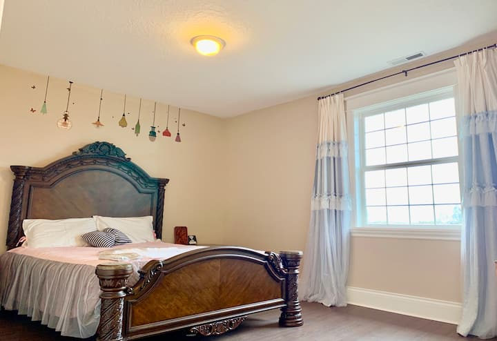 With electric!Private Room Near I-5 &Outlets mall