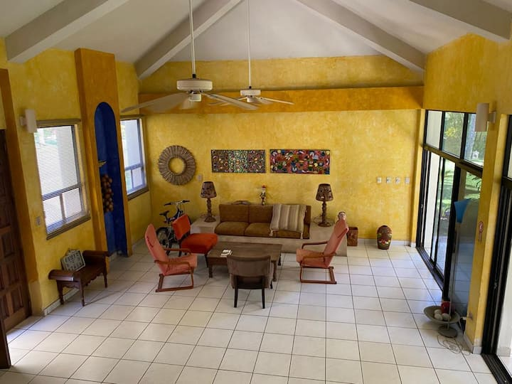 """Bella casa en área de playa - """"Das Haus"""",  wi fi"""