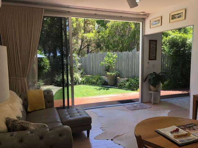 Banksia Luxury Villa