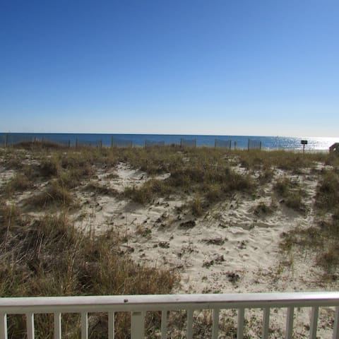 Gulf Front 2br2ba-STEPS from Pool, Parking & BEACH