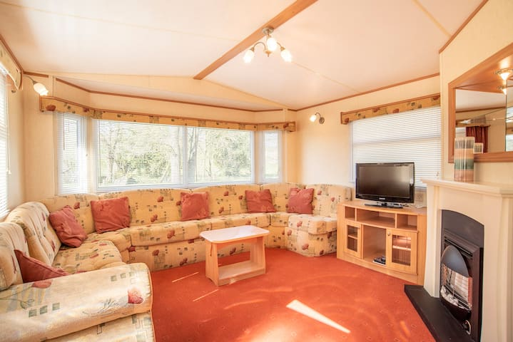 Static caravan on a 5* country holiday park (H42)