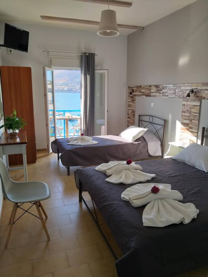 By the beach comfortable double bedroom apartment