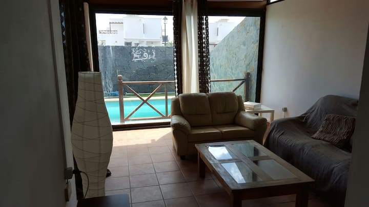 Apartament independiente anexo  y piscina climatiz