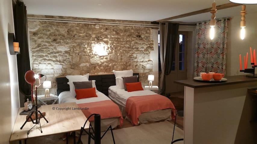 Studio du Jardin La Lamblardie - Gardes-le-Pontaroux - Apartment