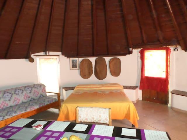 pinnettu tipica abitazione sarda - Oliena - Tipi