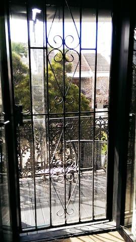 Studio Layout Own Bathroom-Balcony-Kitchenette - Bondi Junction - Diğer