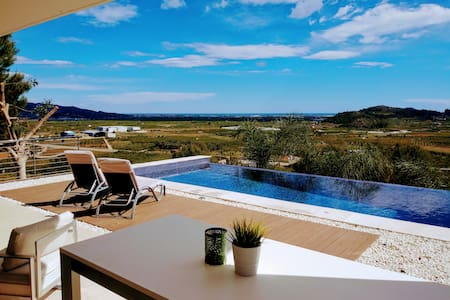 Villa sea view over Gandia infinity Pool and lift