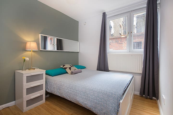 CS02 10% OFF Long stays | Room Heart of Brick Lane