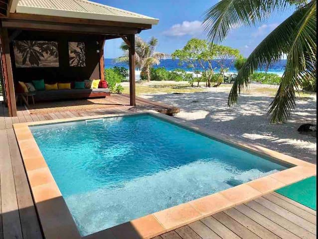 SunriseBeachVilla***** - Luxury Beach House & Pool