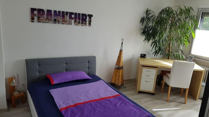 Modernes Schlafzimmer nahe Frankfurt