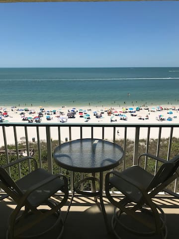 Renovated / Beachfront / Best Choice on Marco!